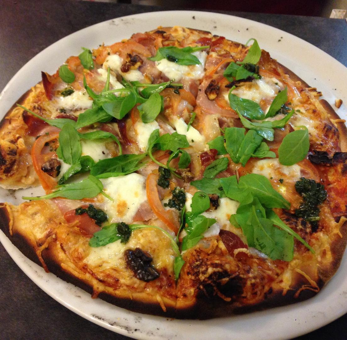 Pizza à emporter argelès sur mer, cuite au feu de bois